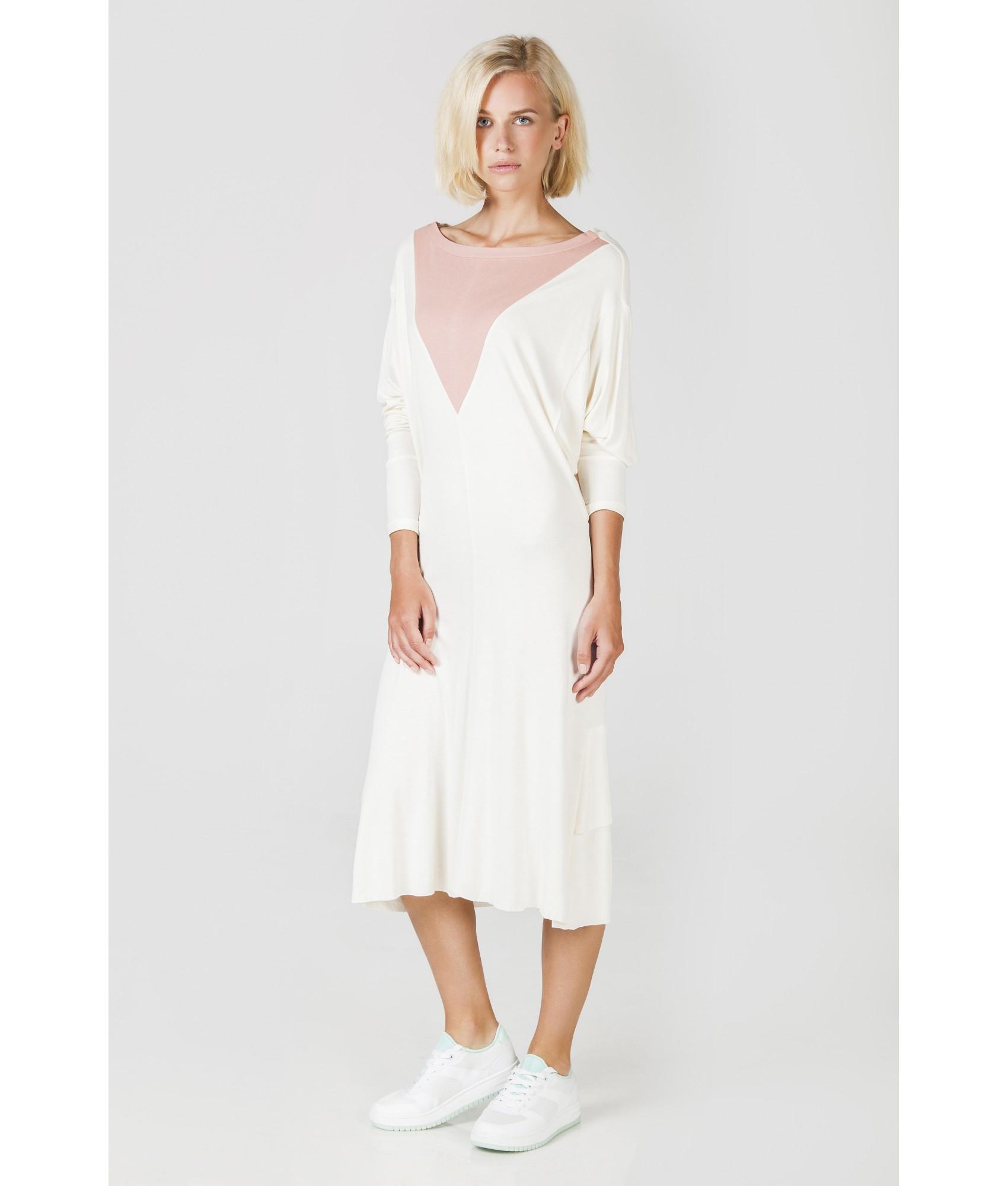 0d156b1f8a6f Bílé úpletové šaty ...
